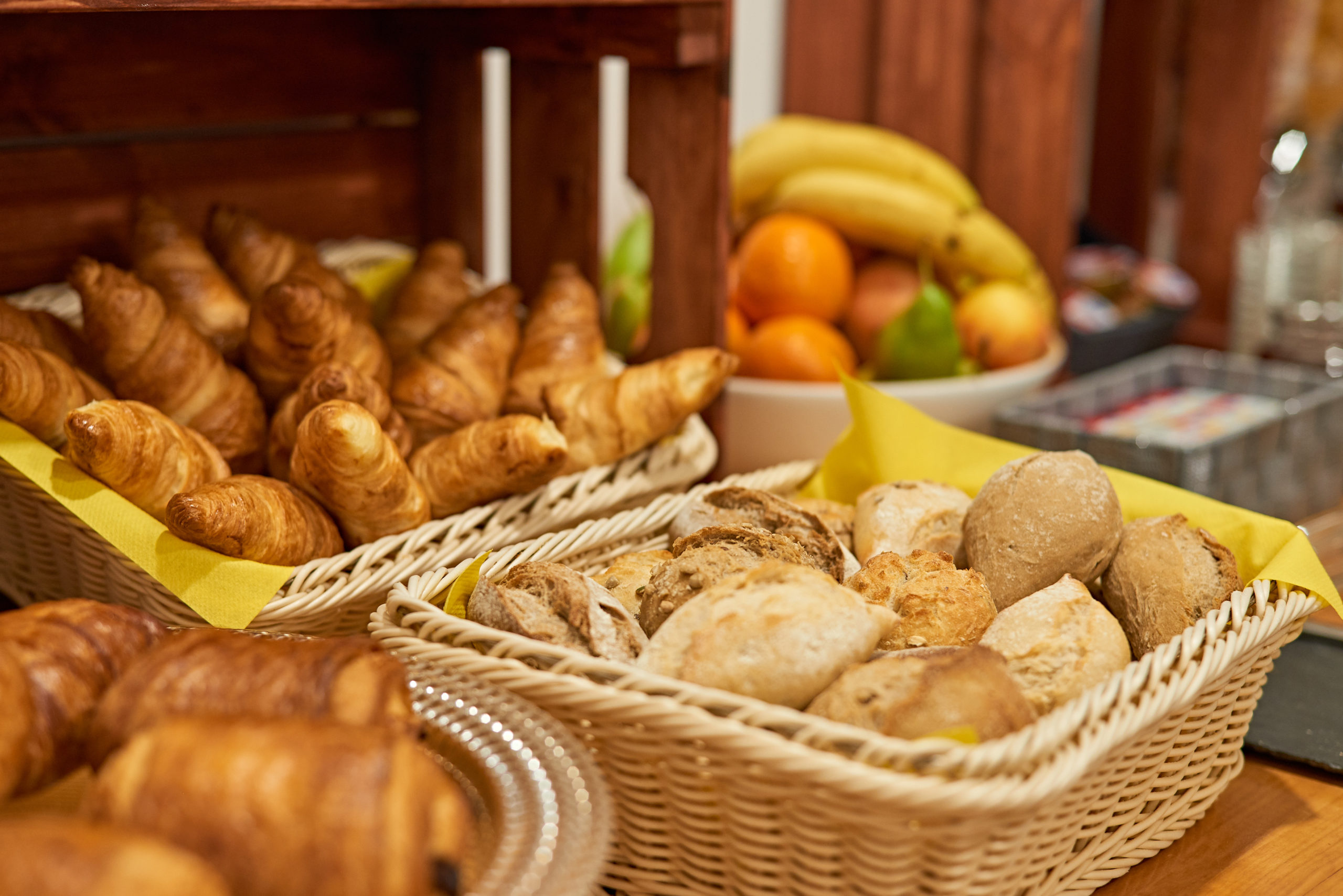 Enjoy our breakfast buffet including delicious fresh bread